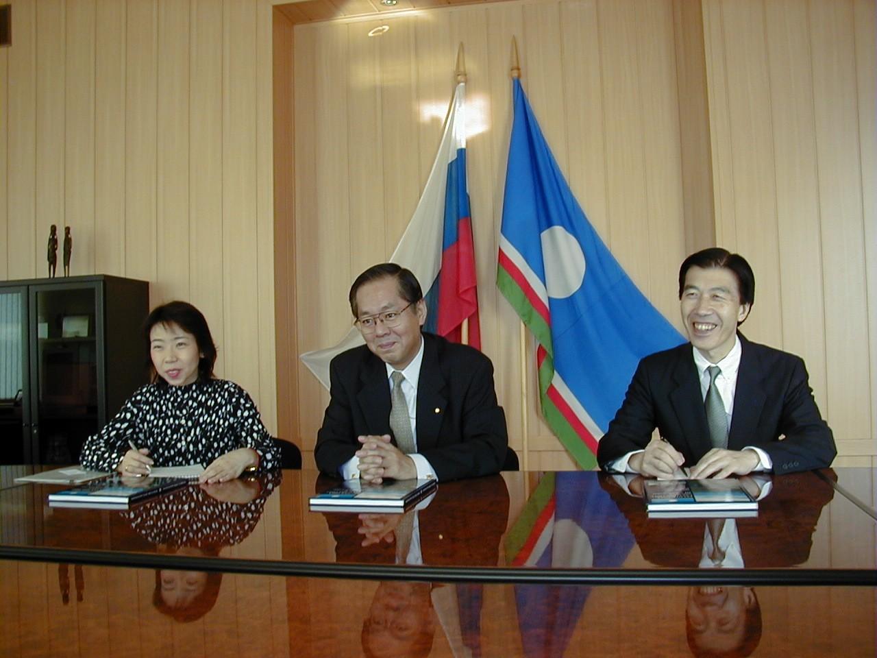 Японская делегация в Хангаласском улусе. Август 2001 года