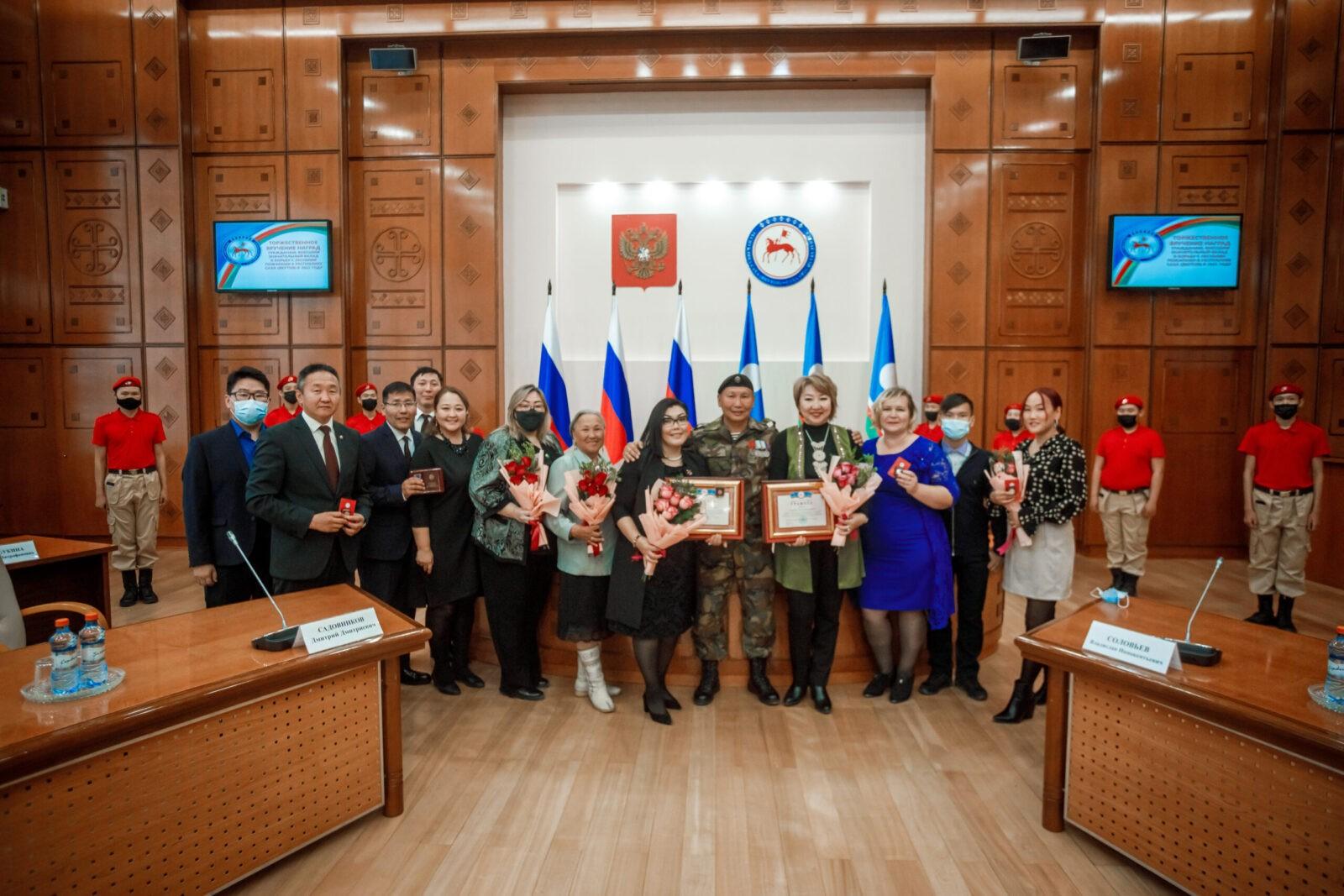 Поздравляю членов Общественного добровольческого штаба и участников тушения пожаров 2021 года!